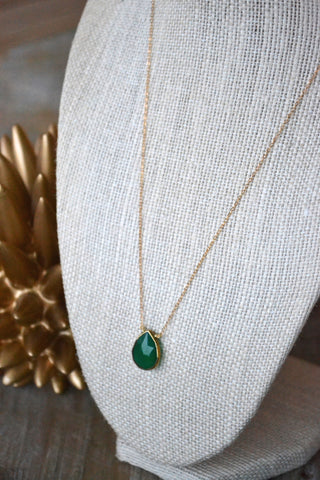 Green Onyx Gem Necklace