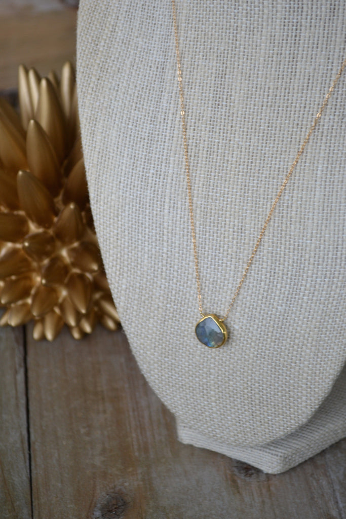 Labradorite Teardrop Gem Necklace