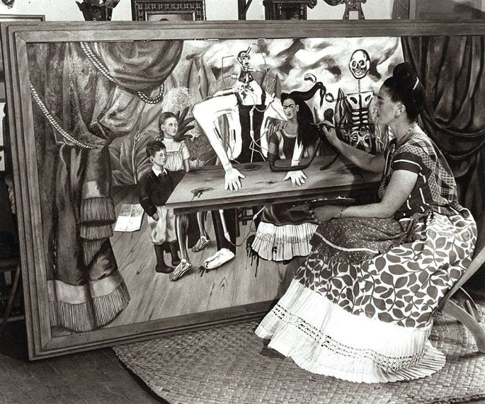 Frida painting the Wounded Table masterpiece 1940