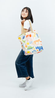 When in The Zoo Tote Bag - LuckyCla