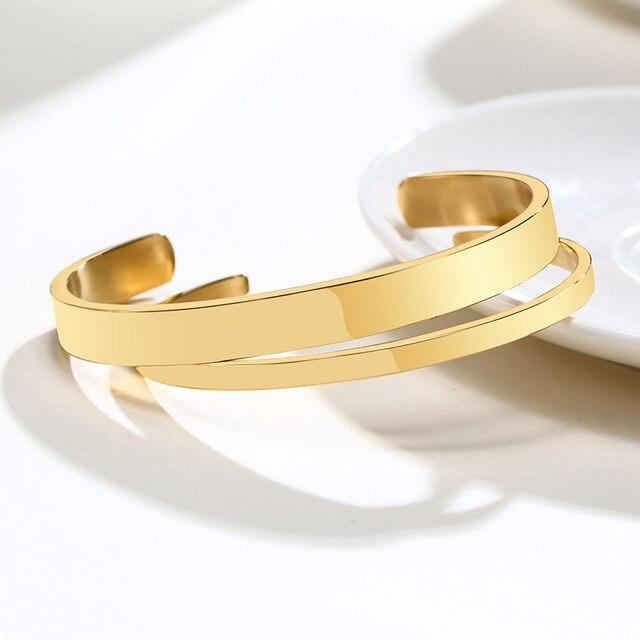 Simple bangles Gold color for relationship
