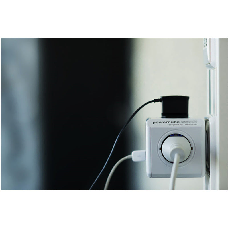 Creative Magic PowerCube Socket 4 Outlets Dual USB Ports Adapter