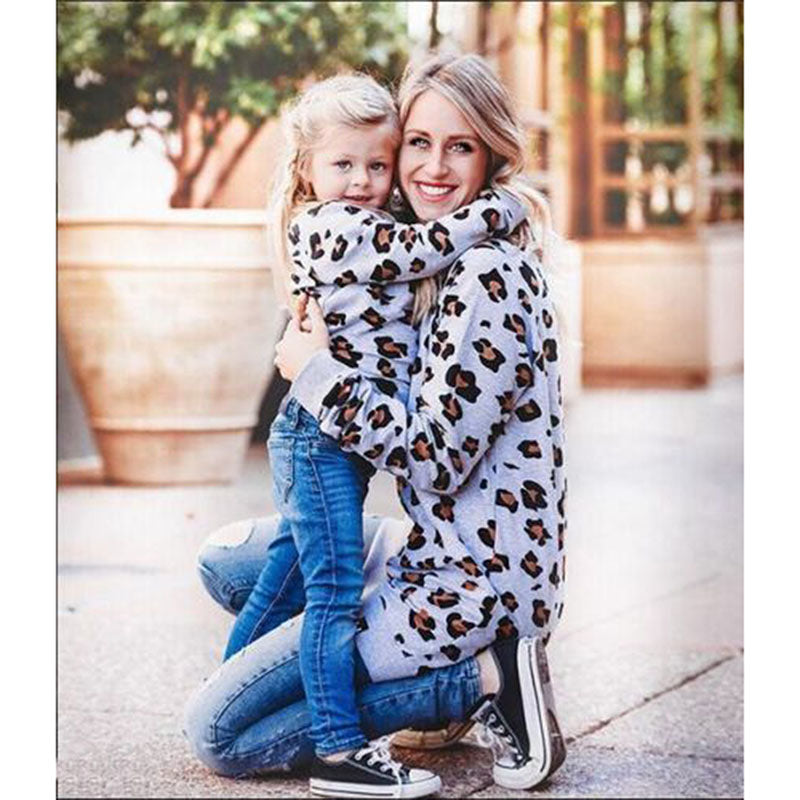 Leopard Printed Cotton Family Matching Sweatshirt