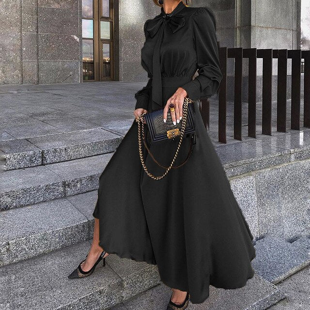 Plus Size Fit And Flare Long-Sleeved Bow Maxi Black Dress