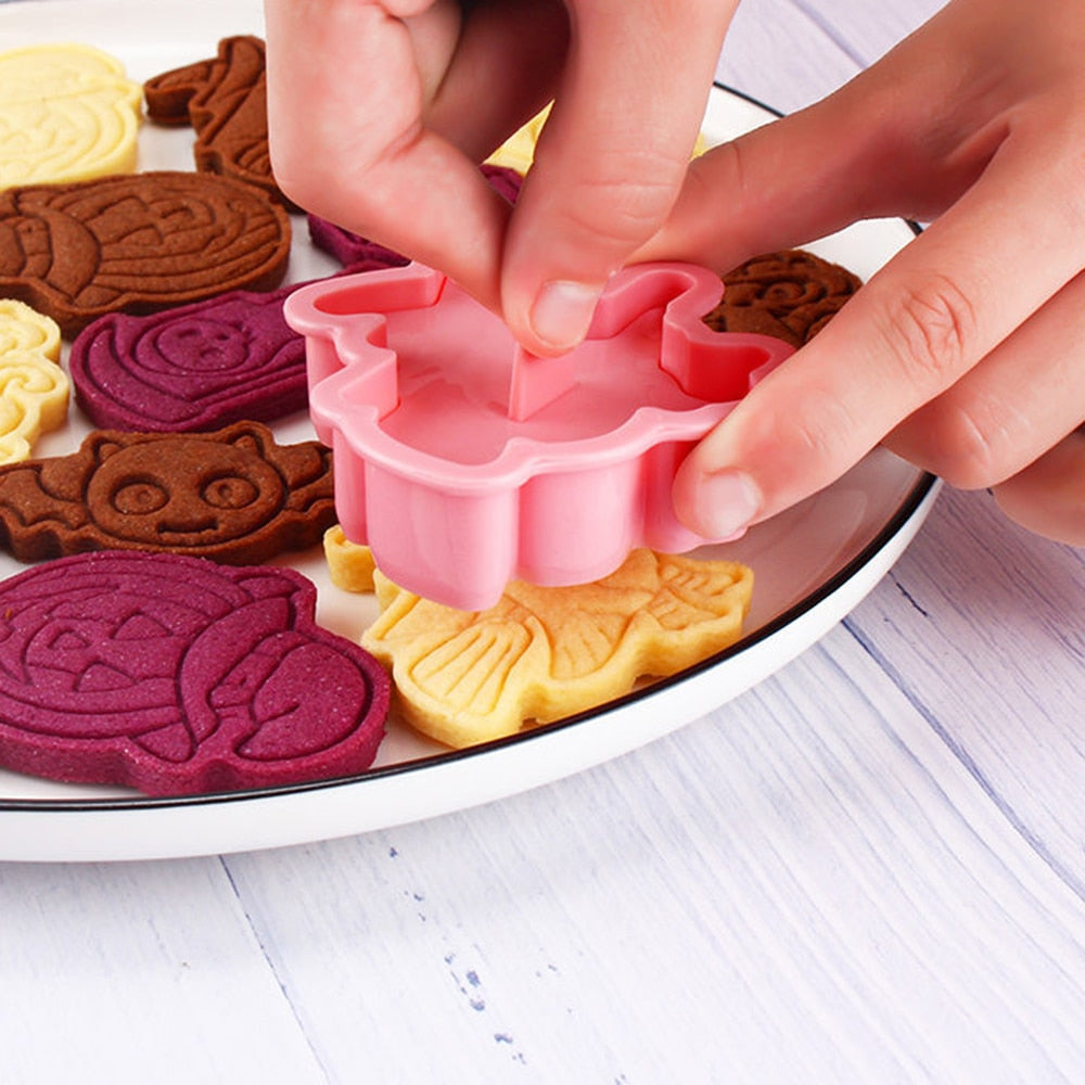 6Pcs/Set 3D Cartoon Pressable Biscuit & Cookie Mold