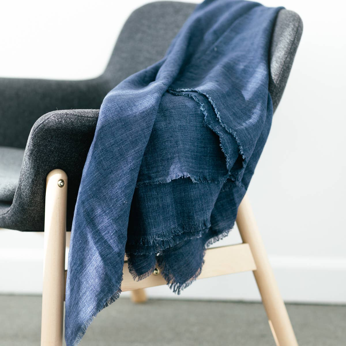 Stone Washed Lightweight Blanket | Navy