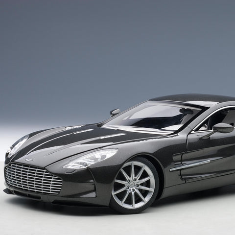 Aston Martin One-77 1:18 Scale Signature Model
