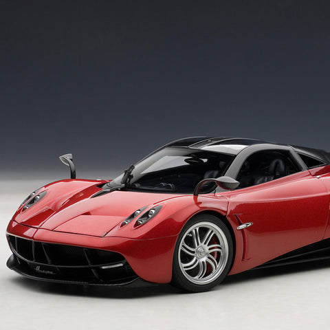 Pagani Huayra 1:18 Scale Signature Model