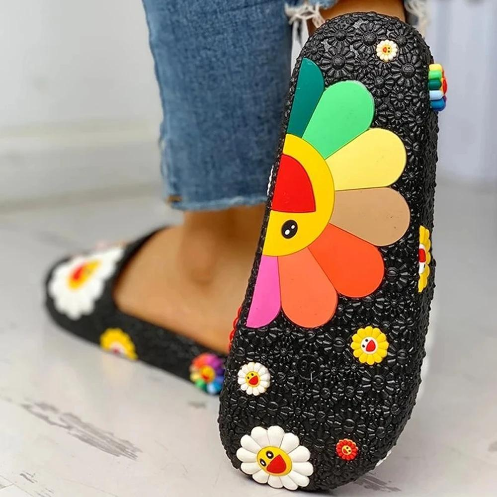 Vickymoda Colorful Smile Sunflower Emblished Beach Slippers