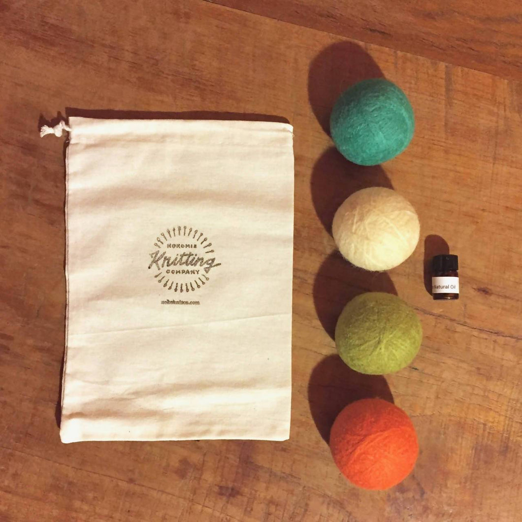 Dryer Balls Kit - Set of 4 with Essential Oils - Cotton Bag Version