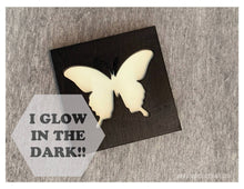 Load image into Gallery viewer, Glow in the Dark Art Magnet - Butterfly