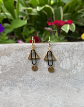 Load image into Gallery viewer, Butterbeer Earrings