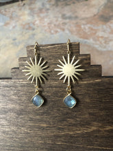 Load image into Gallery viewer, Labradorite Sun Earrings