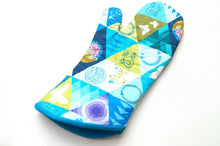 Load image into Gallery viewer, Quilted Fabric Oven Mitt with Vibrant Triangle Print in Blue, Green and Purple with Hanging Tab Option