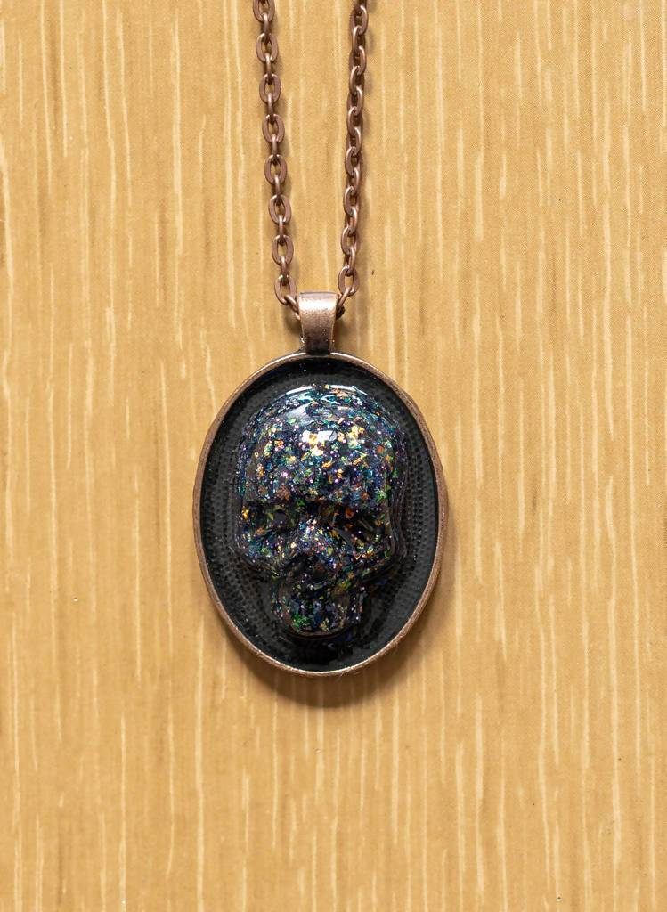 Mounted Skull Necklace - Glitter