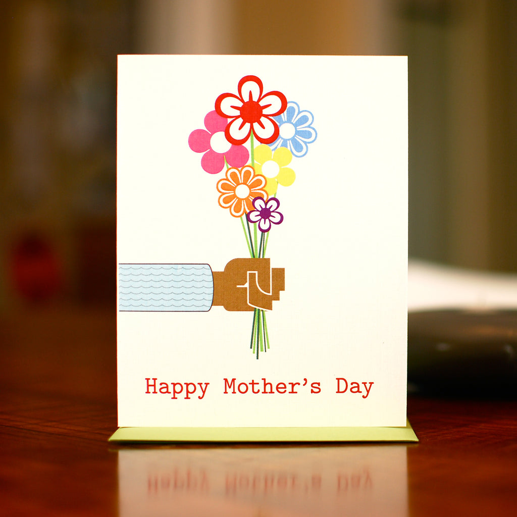 MAN vs. GEORGE DESIGN - Bouquet for Mom Mother's Day Card - Dark Skin Tone