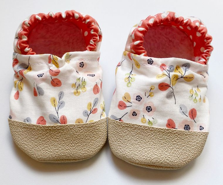 Floral baby moccasins 6-12m