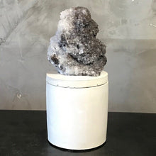 Load image into Gallery viewer, QUARTZ & CALCITE CLUSTER LID CANDLE