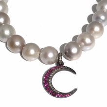 Load image into Gallery viewer, Pearl Necklace w/ Pendant