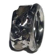 Load image into Gallery viewer, Men's Bronze Accent Ring
