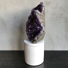 Load image into Gallery viewer, Amethyst Geode Lid Candle