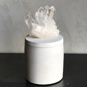 Quartz Crystal Cluster Lid Candle