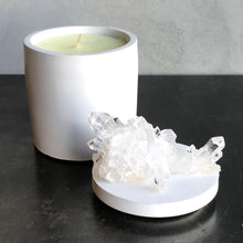 Load image into Gallery viewer, Clear Quartz Crystal Lid Candle