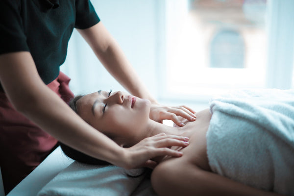 Laser Facial Treatment 101: All You Need To Know