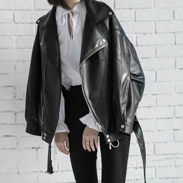 High Quality 2020 Black PU Leather Loose Turn-down Collar Zipper Fashion New Women's Wild Jacket LA938
