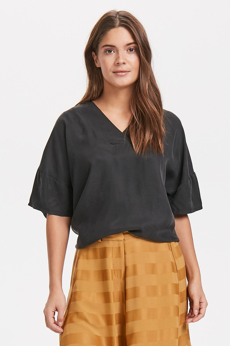 Karen By Simonsen Izzy Tee in Black