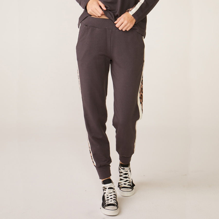 Monrow Paneled Leopard Sweats