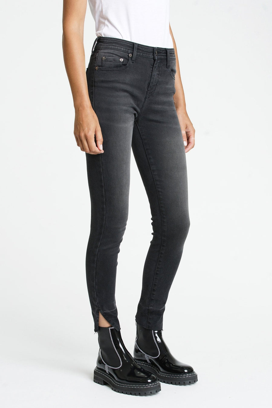 Pistola Audrey Mid Rise Skinny Jean in Drama Queen