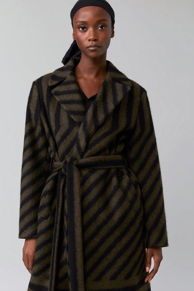 Closed Bale Coat