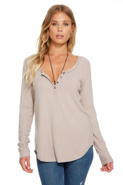Chaser LOVE RIB L/S HI-LO HENLEY SHIRTTAIL TEE In Willow