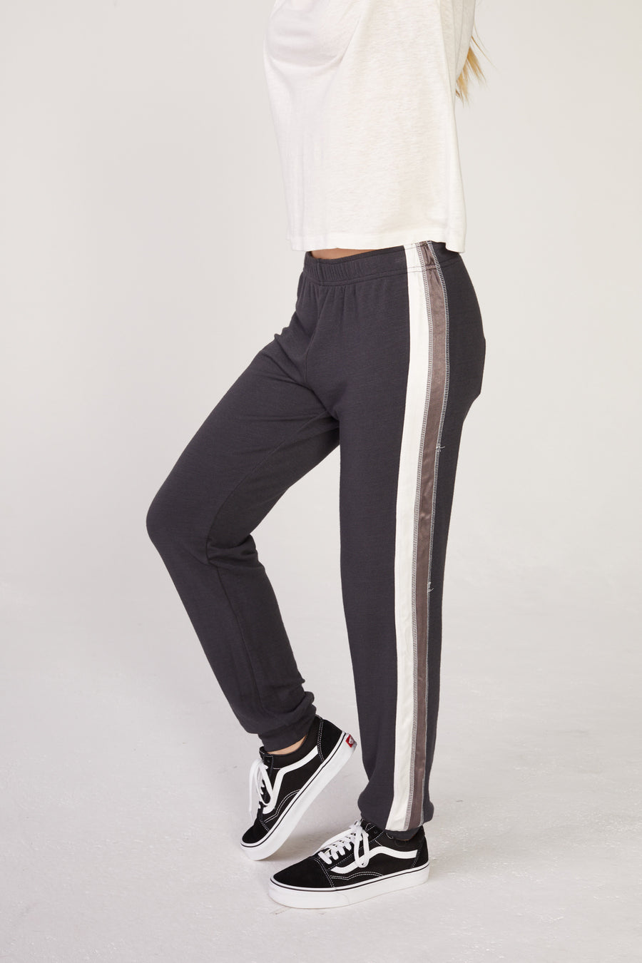 Monrow Basic Cuff Sweatpants in Faded Black