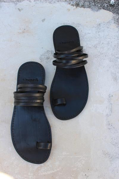 byJAMES Jeanne Sandal In Black
