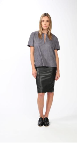 Blaque Label Boxy Vegan Suede Keyhole Top - Estilo Boutique
