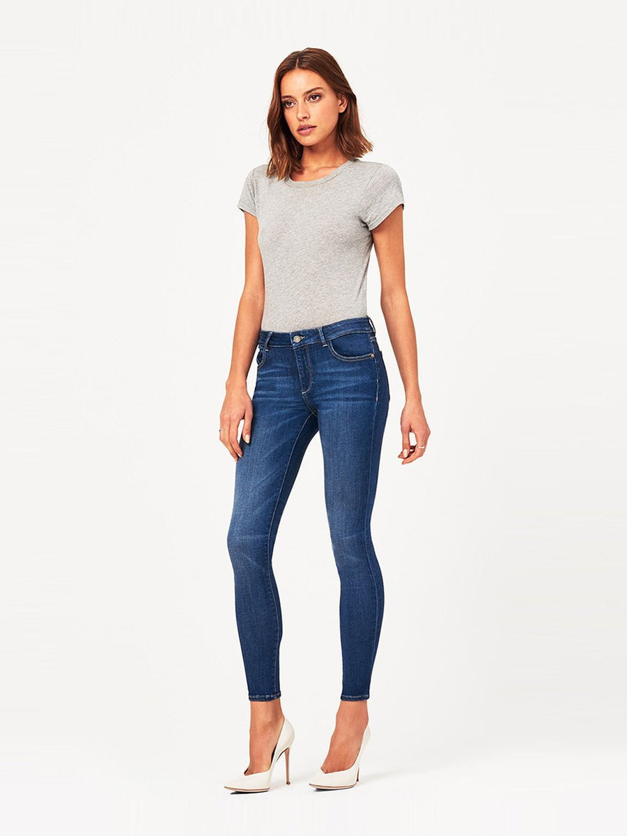 DL1961 Emma Low Rise Skinny in Nevada