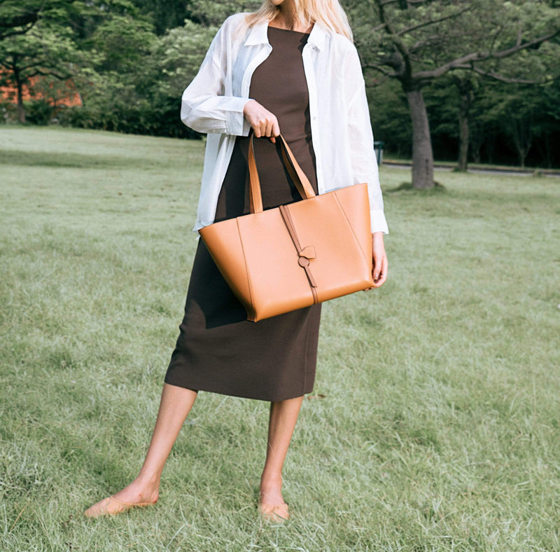 O.N.E Accessories Tally Shopper Tote (Caramel)