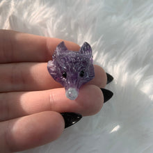 Load image into Gallery viewer, (1) Fluorite Wolf Head