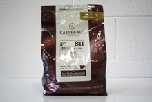 Load image into Gallery viewer, CHOC DROPS DARK 54.5% 2.5KG CALLEBAUT
