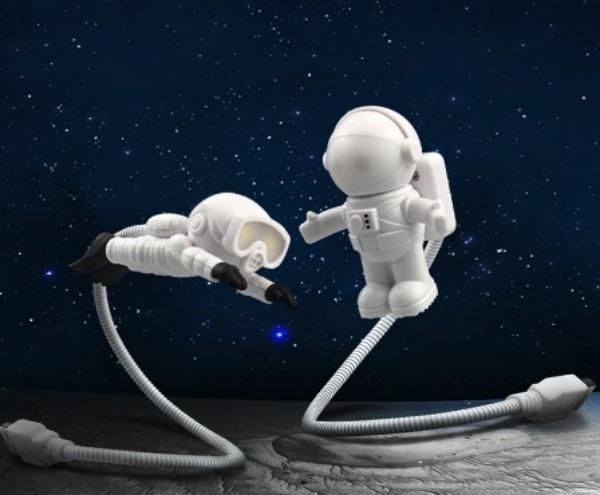Astronaut USB LED Night Lamp