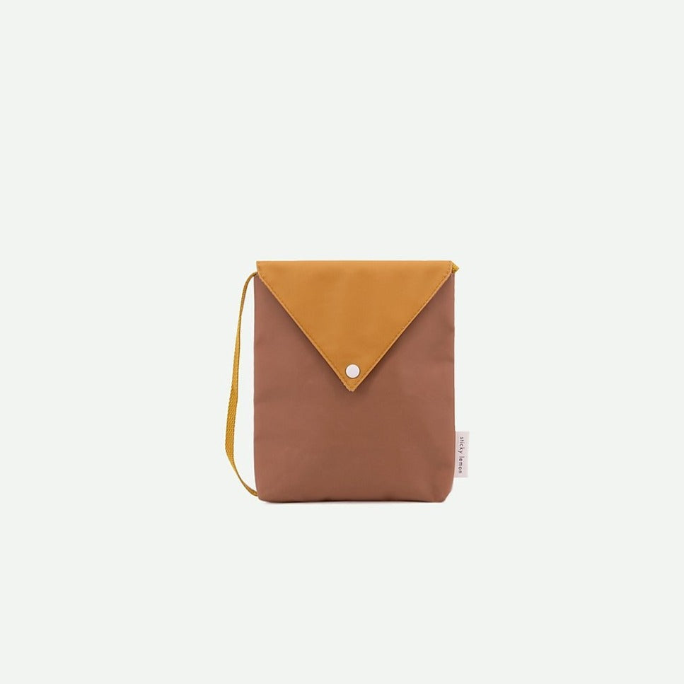 envelope bag | sugar brown + caramel fudge