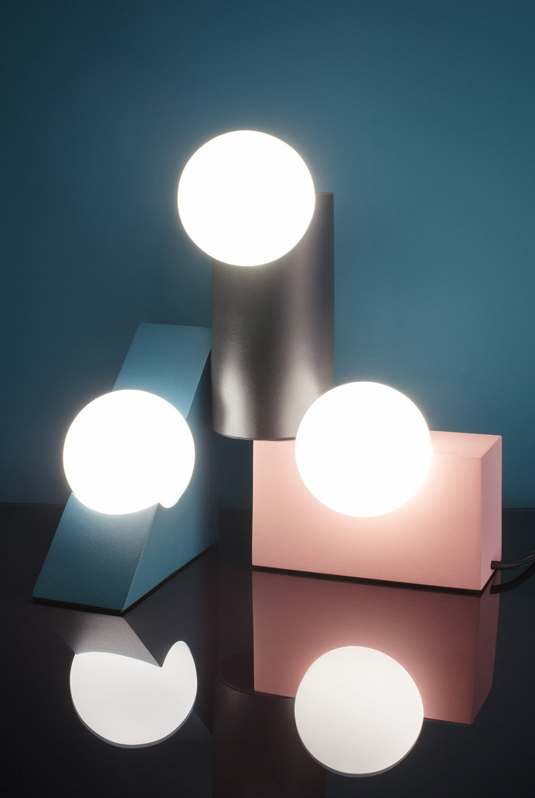 Form Lamp | Triangle | Teal