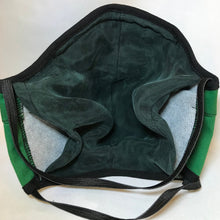 Load image into Gallery viewer, 5M - VP2 MASK JAMAICAN HS EDITION - POLYPROPYLENE-BACKED COTTON || CALABAR HIGH SCHOOL GREEN