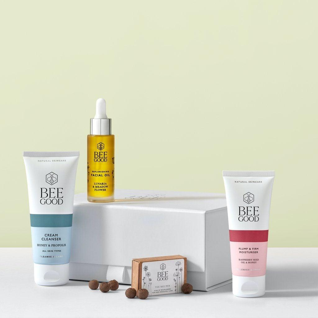Replenish & Treat Skincare Set Gift set Bee Good