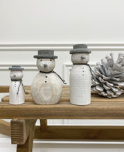 Load image into Gallery viewer, Wooden Snowmen