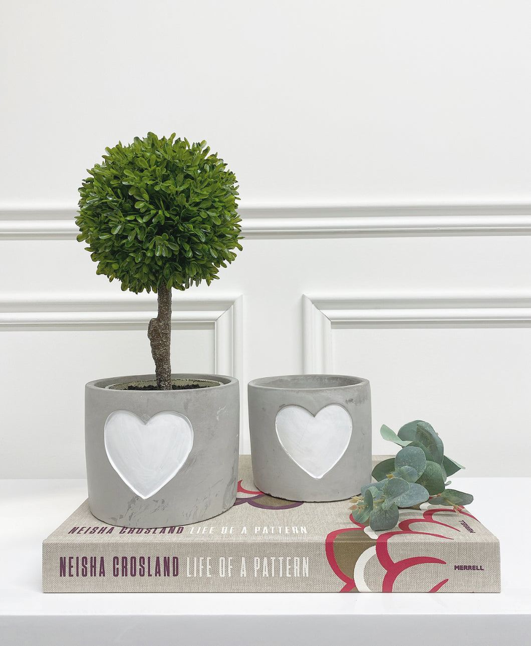 Beechgrove Heart Planter (Available in Two Sizes)