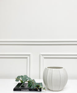 Hampton White Flower Pot