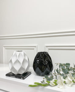 Nico Vase (Available in Two Colours)